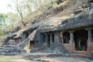 ऐतिहासिक वारसा दुर्लक्षित.पन्हाळाकाजी बौद्ध लेणी..रत्नागिरी
