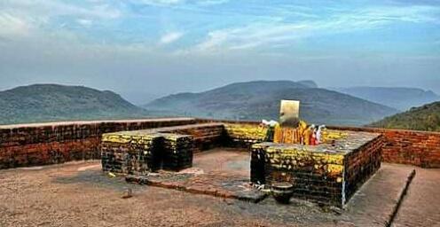 *गृद्धकूट पर्वत, राजगीर, बिहार*