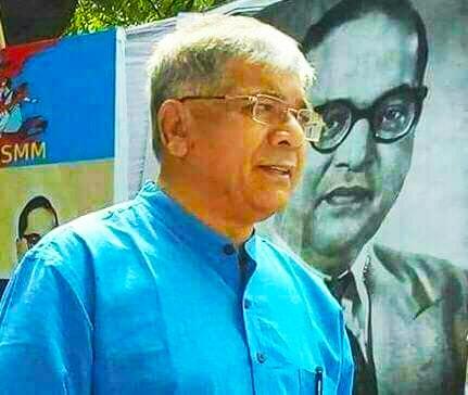 महात्मा गांधी यांचे नातू डॉ. राजमोहन गांधी  म्हणतात   महामानव डॉ बाबासाहेब आंबेडकर यांचे नातू अड प्रकाश आंबेडकरांनी मोदीविरोधकांचे नेतृत्व करावे